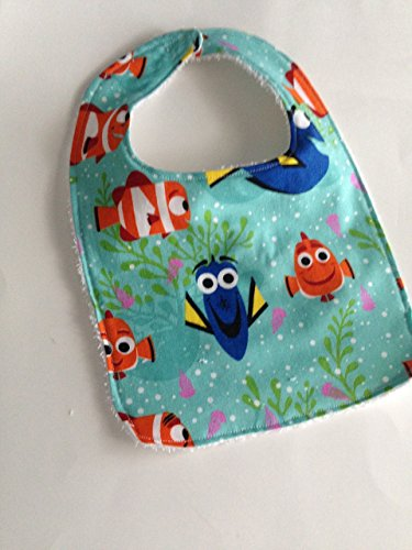 Finding Dory baby bib size 0-12 months ()