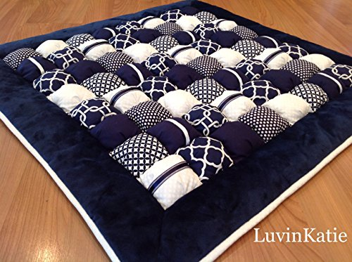 Baby Bubble Puff Quilt for Floor Time Tummy Time in Navy Blue and White by LuvinKatie