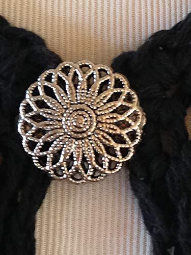 (The mattie silver tone flower sweater clip brooch.)