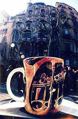 Set de 3 unidades de tazas café de ABarcelona. Tazas desayuno originales. Cada taza cerámica es de un monumento de Barcelona del arquitecto Gaudi; ...