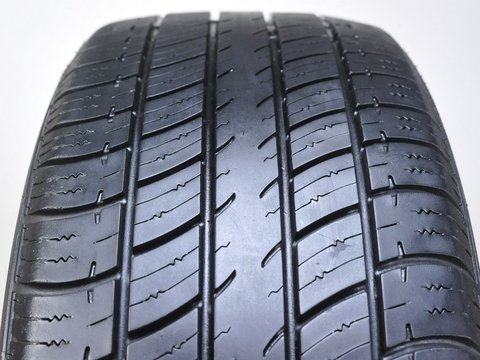 Uniroyal Tiger Paw Touring VR Radial Tire - 215/50R17 91V ()