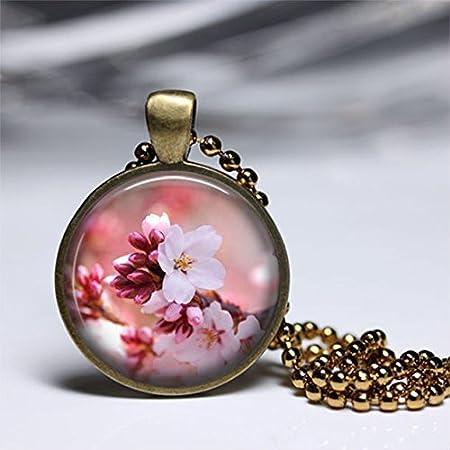 Colgante de cerezo con diseño de flores, colgante de arte vintage, colgante de cristal, joyería de arte con fotos, collar de cristal