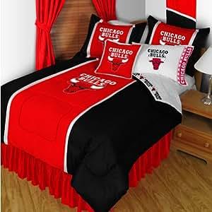 Amazon Com Nba Chicago Bulls Bedding Set 5pc Comforter