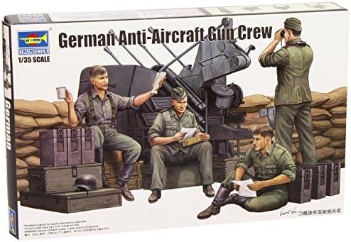German Anti Aircraft Gun Crew Figure Plastic Kit 1:35 Model TRUMPETER