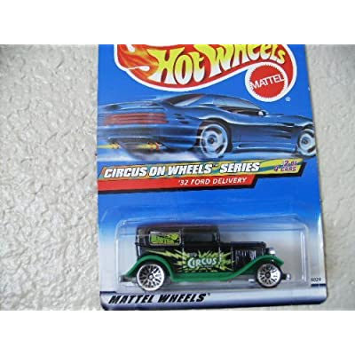 Hot Wheels '32 Ford Delivery 2000 Circus on Wheels Series Painted Base: Toys & Games