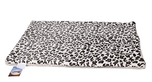 HappyCare Textiles Ultra-Soft Reversible Pets Mat, Medium, Snow Leopard (Reversible Leopard)