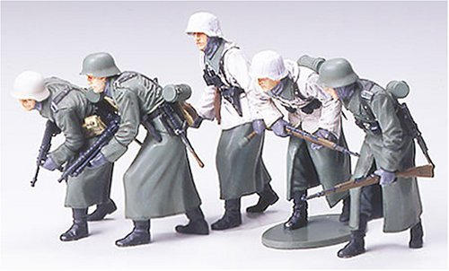 Tamiya German Assault Infantry w-Winter Gear 1/35