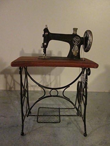 Ideal para un modelo antiguo de la máquina de coser de la máquina de coser de la mesa de metal y + de poli 22 x 15 cm: Amazon.es: Hogar
