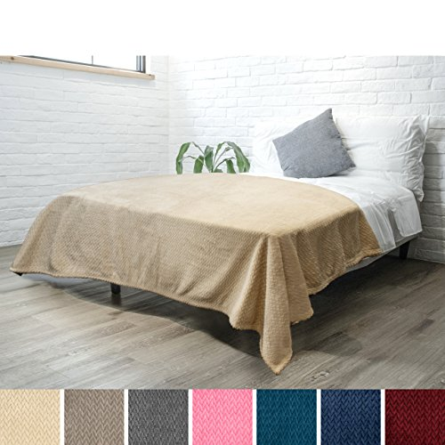 Luxury Soft Plush Beige Blanket for Twin Bed, Sofa, Couch | Super Soft Velvet Charcoal Latte Fleece Chevron Textured Pattern | Cozy, Warm, Fuzzy Lightweight Microfiber | All Season | 60 x 80 Inches