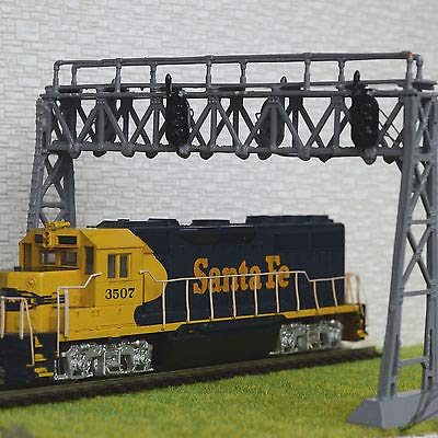 FidgetGear 1 x HO Scale Model Railroad Train Signal Bridge LED 3 aspects Double Track Grey
