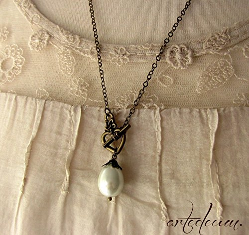 (Pearl Necklace with White shell teardrop and Heart Clasp antique bronze)