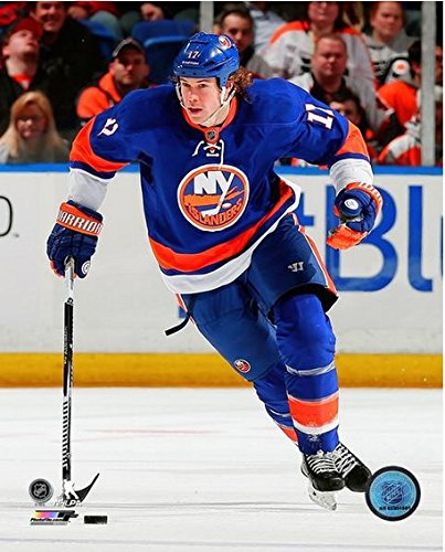 "Matt Martin New York Islanders NHL Action Photo (Size: 8"" x 10"")"