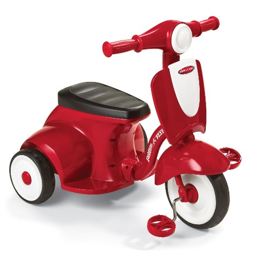 Radio Flyer Classic Lights and Sound Trike, Red