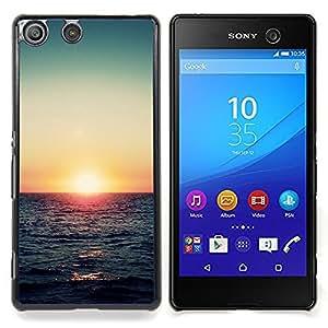 Eason Shop / Premium SLIM PC / Aliminium Casa Carcasa Funda Case Bandera Cover - Verano del trullo del Mar Rojo - For Sony Xperia M5