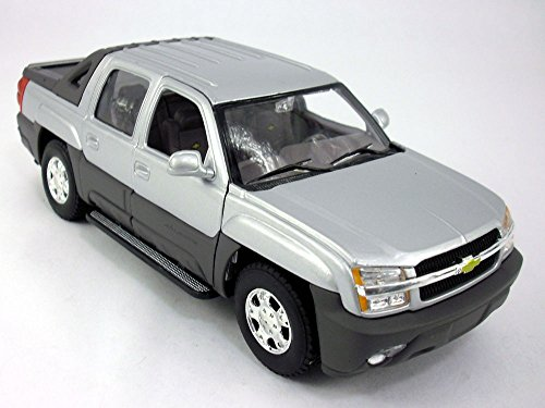 Chevy Avalanche 2002 1/24 Scale Diecast Metal Model - SILVER