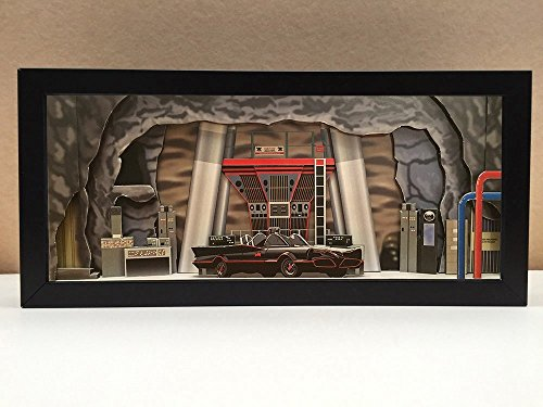 Batman Batcave interior shadowbox diorama - memorabilia picture art collector ()