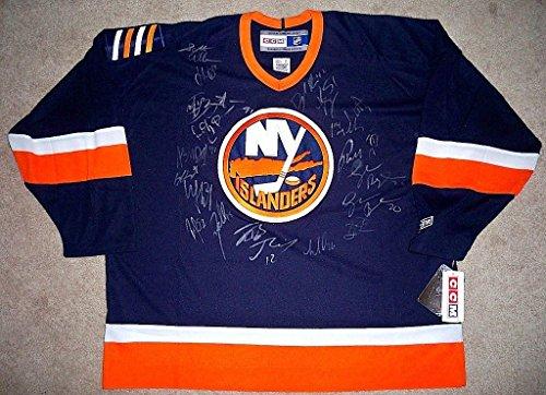 New York Islanders Team Jersey - 2009/2010 NEW YORK ISLANDERS Team Signed JERSEY w/COA - Autographed NHL Jerseys
