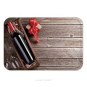 Franela de microfibra antideslizante suela de goma suave absorbente Felpudo alfombra alfombra alfombra Tarjeta de felicitación día de San Valentín caja de regalo de color rojo vino y copas en mesa de madera Top View con espacio 569750215para interiores/exteriores.