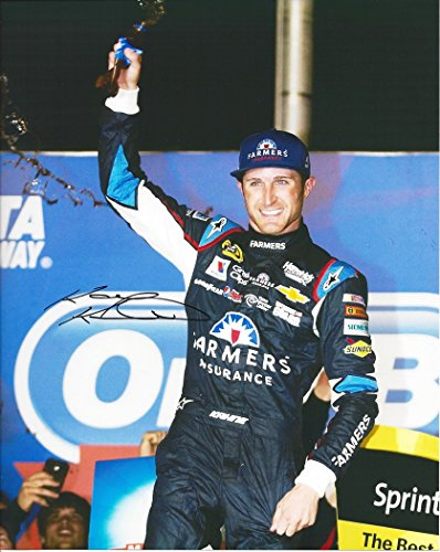 AUTOGRAPHED 2014 Kasey Kahne #5 Farmers Insurance Racing ATLANTA WIN (Oral-B 500) Chase Race Signed 8X10 Picture NASCAR Glossy Photo with COA