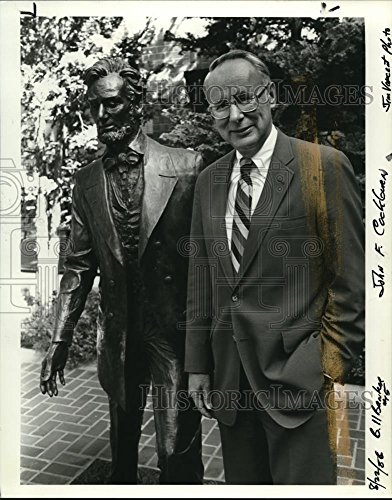 1986 Press Photo John F Cockburn Chairman Of The New Rainier Bank Oregon Fsb