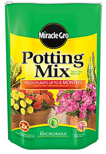 Potting Scotts Soil (Miracle Gro Potting Mix with Fertilizer Polybagged 16 Qt)