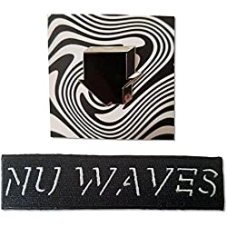 The Neighbourhood 2 Piece Gift Set: House Pin and Nu Waves Iron On Patch