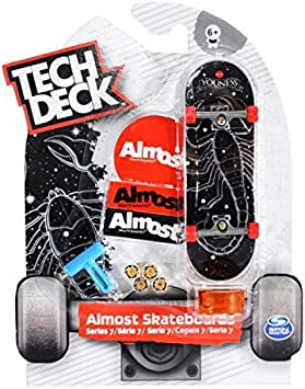 Skate Finger Skateboard Set of 2 Boards With Tools /& Extra Truck Tech Deck New