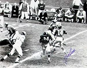 Autograph Warehouse 17805 Y.A. Tittle 11X14 Game Action Signed B&W Photo New York Giants