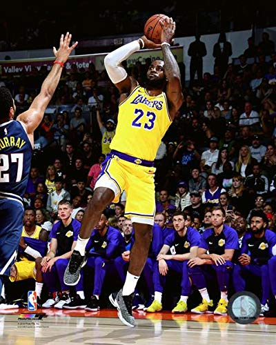 Poster Los Angeles Lakers Basketball - Lebron James Los Angeles Lakers 2018 NBA Action Photo (Size: 8