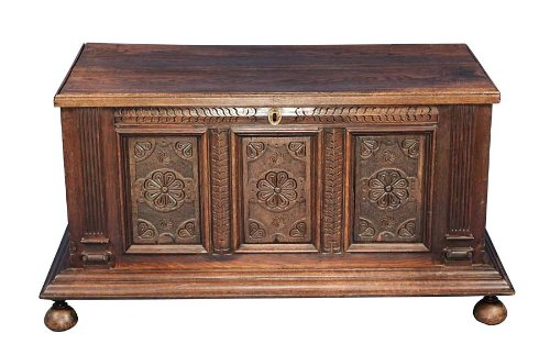 Antique Georgian Period Carved Oak Coffer - Oak Blanket Carved
