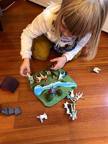 Ispirazione Montessori Waldorf Busta in Feltro Inclusa. 100/% Fatto a Mano Bosco Small 25x25 cm Tappeto da Gioco per Bambini Habitat Animali in Feltro e Lana Cardata