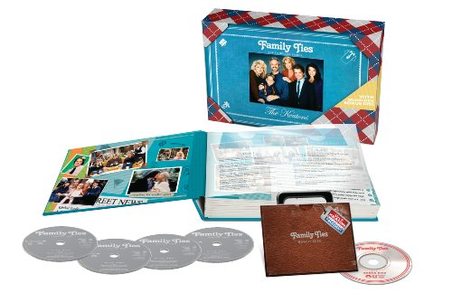 DVD : Family Ties: The Complete Series (Oversize Item Split, Boxed Set, Full Frame, Gift Set, Special Packaging)