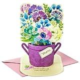 Hallmark - Tarjeta de felicitación para el Día de la Madre (papel de estraza, diseño de ramo de flores azules, con texto en inglés'You Are So Loved')