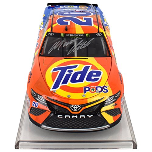 Autographed Matt Kenseth 2017 Tide NASCAR Diecast 1:24 Scale by Lionel Racing
