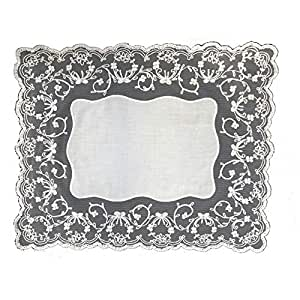 White Flowers Embroidered Placemat and Napkin Set
