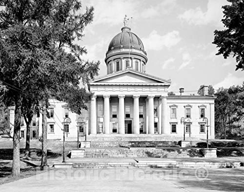 (Vermont Historic Black & White Photo, The Vermont State House, Montpelier, c1904 | 24in x 18in)