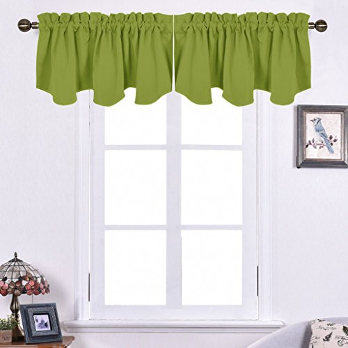 NICETOWN Blackout Tiers Kitchen Curtains - 52-inch by 18-inch Scalloped Rod Pocket Valances, Green 2 Panels