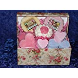Beautiful Gift box containing Yankee wax melts and Bath Bomb with extras by crackinchina