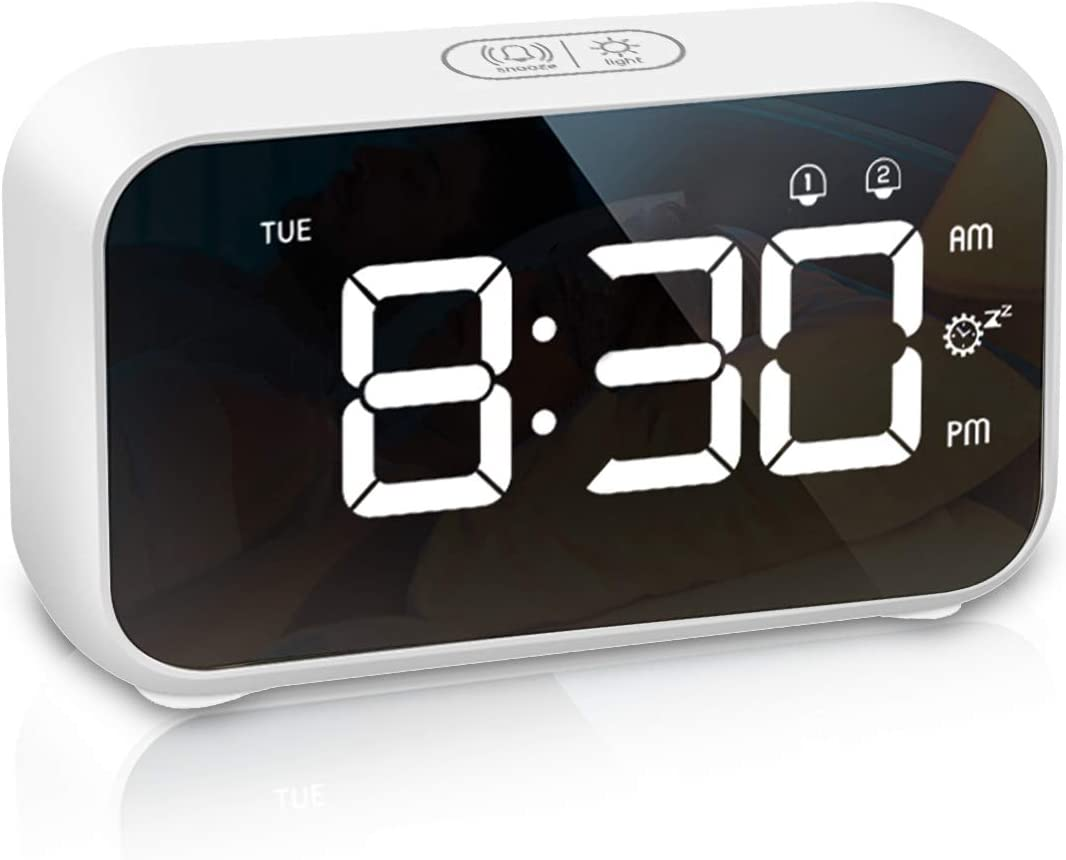 LATEC Reloj Despertador Digital, Despertador Alarma Dual Digital con Temporizador de Siesta, 4 Brillo, 8 Volume Ajustable Función Snooze, Puerto de Carga USB 12/24 H Reloj Alarma para Dormitorio
