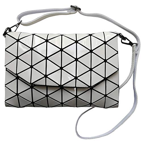 White Shoulder Handbag with Metal Chain And Stylish Geometric Design Convertible, Lightweight And Durable Makeup Bag]()
