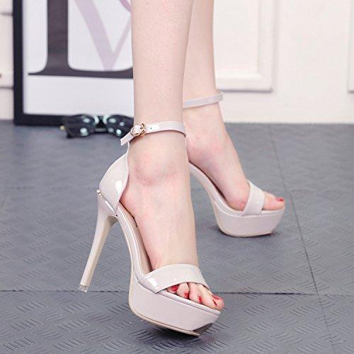 impermeable un Sandalias en delicado los con zapatos nbsp; Palabra pTYUdxn