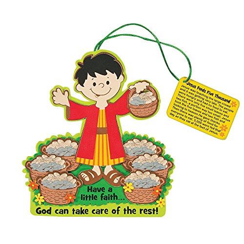 Fun Express Feeding The 5000 Sign Craft Kit (Makes 12) Religious Craft Kits