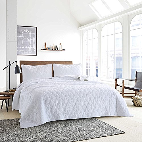 Style Homes 3-Piece Luxury Quilt Set With Sham(s), Ultra Soft Microfiber Bedspread and Coverlet with Double Ogee Embroidered Design, Oversized, King, Bright White Bright Quilt