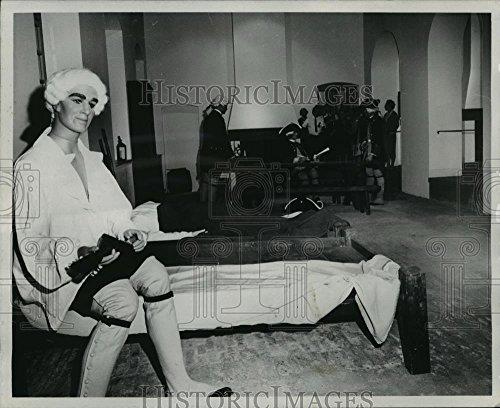 vintage-photos-historic-images-1970-press-photo-corps-de-guarde-at-cabildo-museum-noa36543-8-x-10