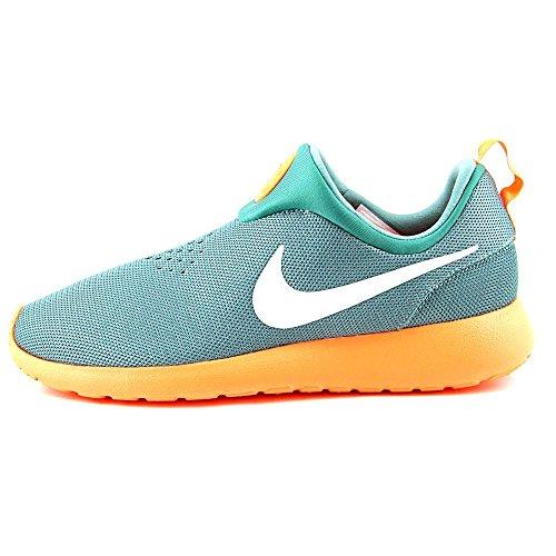 3f0206dcf38a Nike Men s Rosherun Slip On Loafers   Slip-Ons Shoe - Buy Online in UAE.