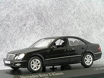 1/43 Mercedes-Benz Clase E ¬ (W211) / Negro Obsidiana ...