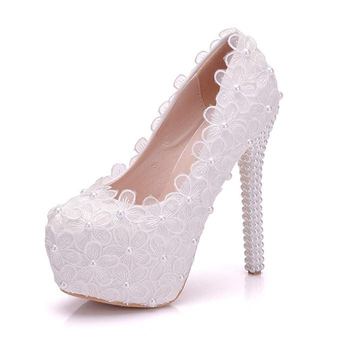 Zapatos de boda para novia blanco 14cms tacones de aguja con encaje y  perla  Amazon.es  Ropa y accesorios 946c0187d2e