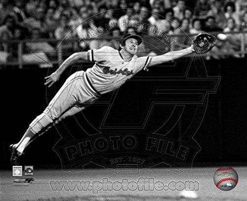 Brooks Robinson - 1973 Diving Catch, B&W Photo 8 x 10in ()