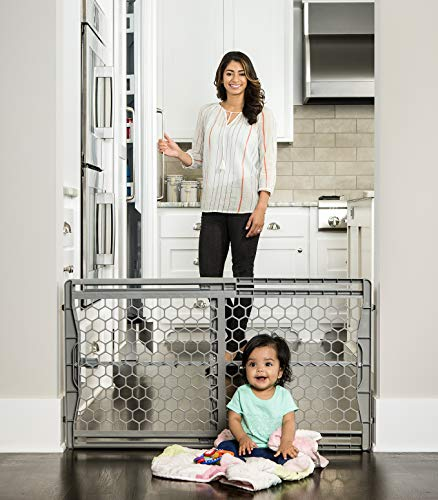 Regalo Easy Fit Plastic Adjustable Extra Wide Baby Gate ()