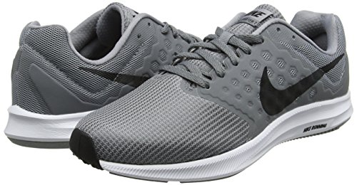 9f2bcaeb808f Nike Men s Downshifter 7 Competition Running Shoes